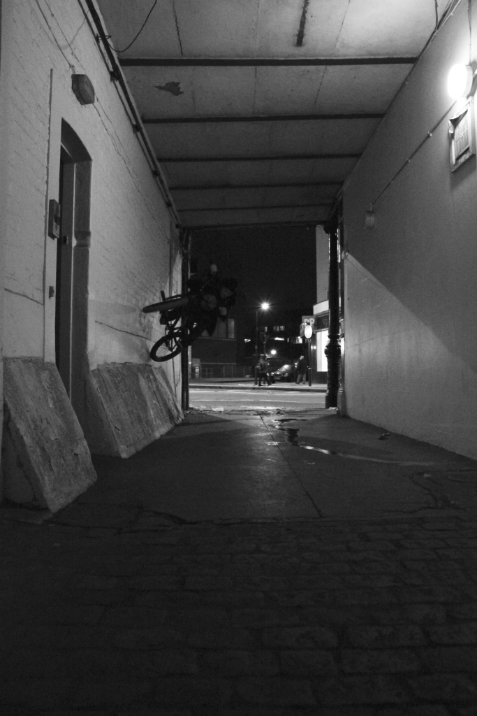 Dan 'RT' Hartly tight wallride